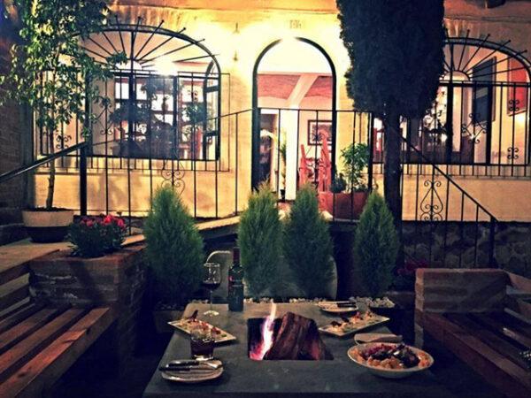 la mesa restaurant in ajijic